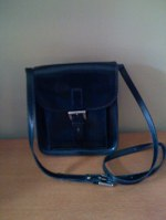 Black_leather_shoulder_bag_w_buckle